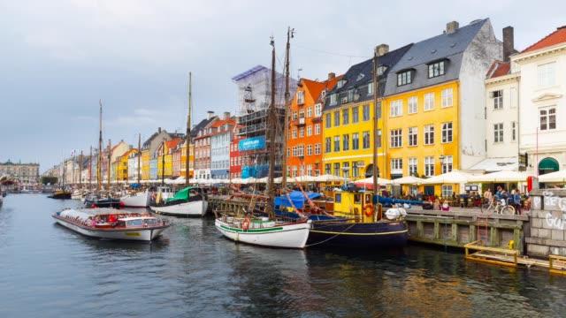 t/l nyhvan canal in copenhagen - oresund region stock videos & royalty-free footage