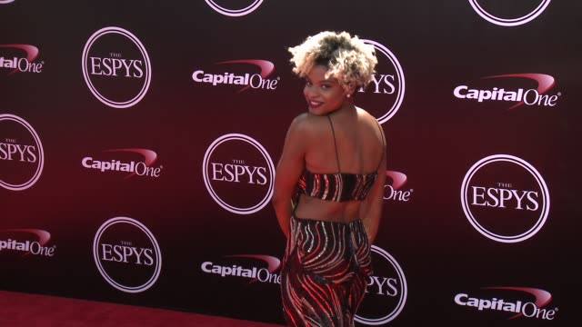 vídeos de stock, filmes e b-roll de nzingha prescod at the 2016 espy awards at microsoft theater on july 13 2016 in los angeles california - espy awards