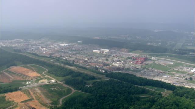 oak ridge nuclear facility - armi di distruzione di massa video stock e b–roll