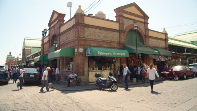 oaxaca benito juarez food market building exterior. colonial style - mexican ethnicity stock videos & royalty-free footage