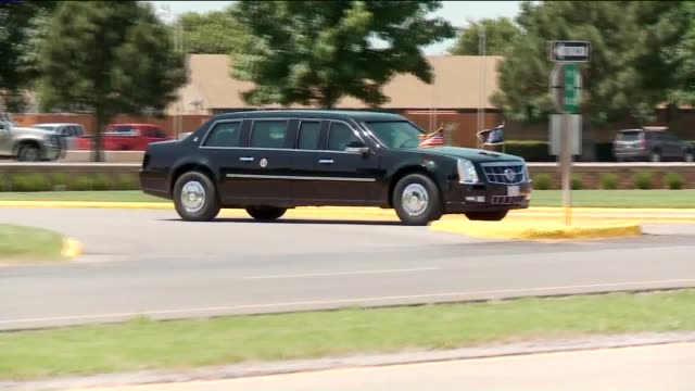 kfor obama motorcade exit el rino prison parking lot on july 16 2015 in el rino oklahoma - president stock videos & royalty-free footage