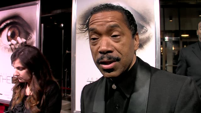 vídeos y material grabado en eventos de stock de obba babatunde on what he feels everyone should know before they see the film, talks about his role in the movie, and his personal expectations for... - cinerama dome hollywood