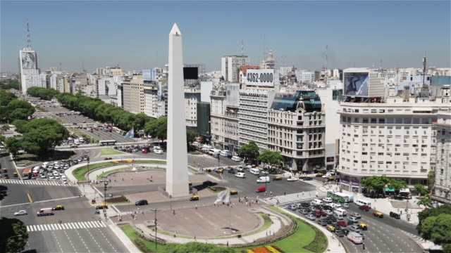 ms, ha obelisk in the plaza de la republica / obelisco de buenos aires / buenos aires, argentina - obelisk stock videos & royalty-free footage