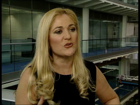 stockvideo's en b-roll-footage met obesity in britain; itn gir int vanessa feltz interview sot - i'm same person on inside but physically i feel 100% better liverpool line of people... - vanessa feltz