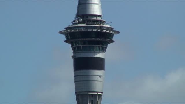 cu observation tower, auckland, new zealand - new zealand stock-videos und b-roll-filmmaterial