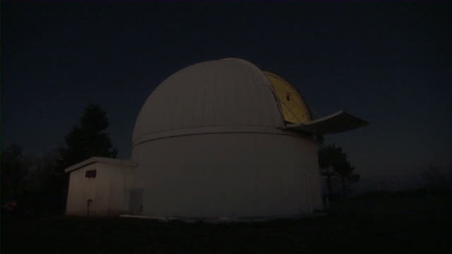 WS T/L Observatory dome turning at night / Mount Lemmon Observatory, Arizona, USA
