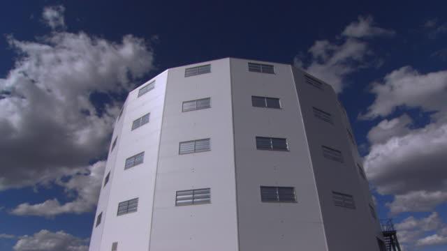 vídeos de stock, filmes e b-roll de observatory - espaço e astronomia