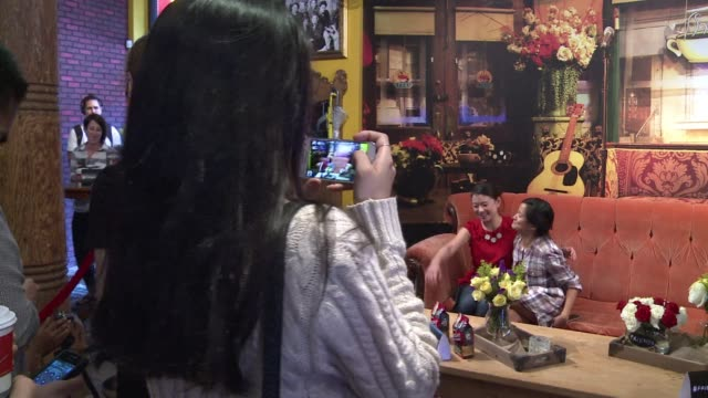 obsessed friends fans on wednesday mobbed a pop up replica of the coffeehouse from the hit comedy series some even camping out overnight for some... - dose stock videos & royalty-free footage