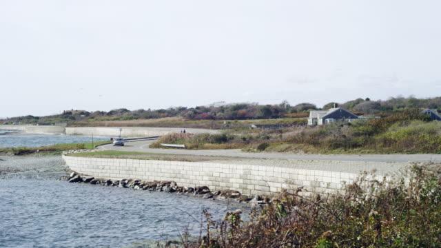 vidéos et rushes de ocean drive in newport rhode island - rhode island