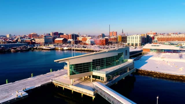 vidéos et rushes de ocean gateway building in portland oregon - maine