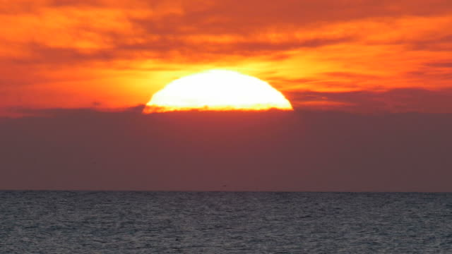 ocean horizon at sunset - seascape stock videos & royalty-free footage