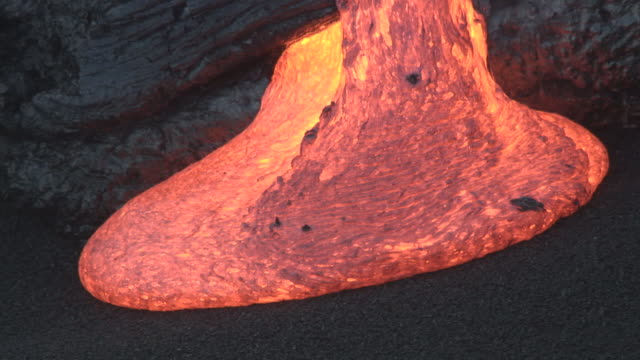 ocean meets molten lava from erupting volcano, big island, hawaii - lava stock-videos und b-roll-filmmaterial