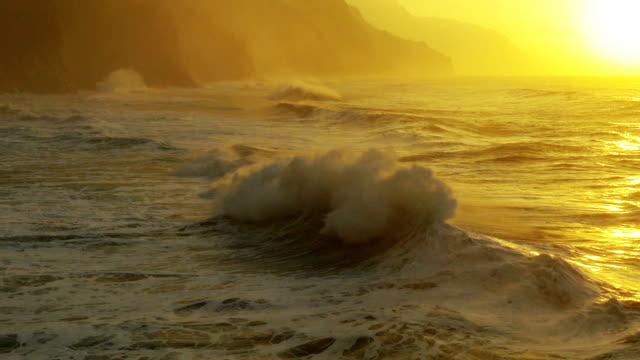 Oceaan golven op de kust