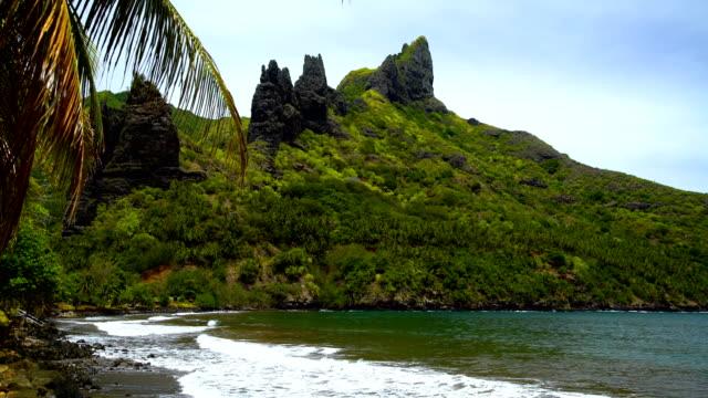ocean waves deserted beach hatiheu nuku hiva marquesas - pacific islands stock videos & royalty-free footage