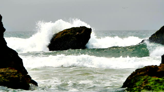 Wellen des Ozeans in Superzeitlupe