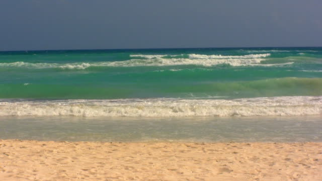 ms ocean waves on beach / tulum, quintana roo, mexico - lockdown viewpoint stock videos & royalty-free footage
