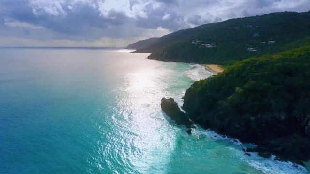 stockvideo's en b-roll-footage met ocean waves washing oahu shore - oahu