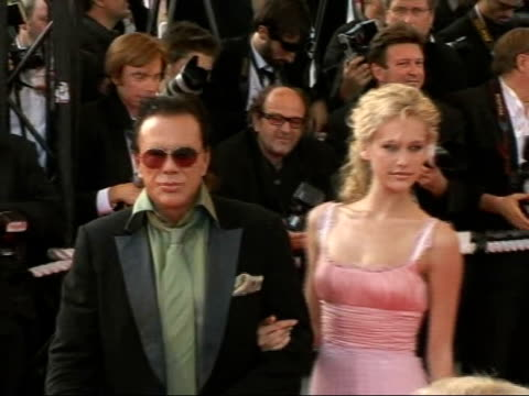 ocean's thirteen arrivals for film premiere mickey rourke arriving and along red carpet - mickey rourke actor stock videos & royalty-free footage