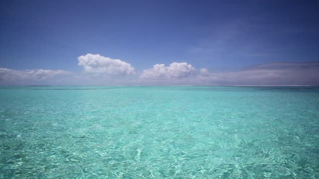oceanscape, aitutaki, cook islands - south pacific ocean stock videos & royalty-free footage