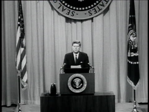 vídeos de stock e filmes b-roll de october 11 1961 zi president john f kennedy speech at press conference regarding vietnam / washington dc united states - 1961