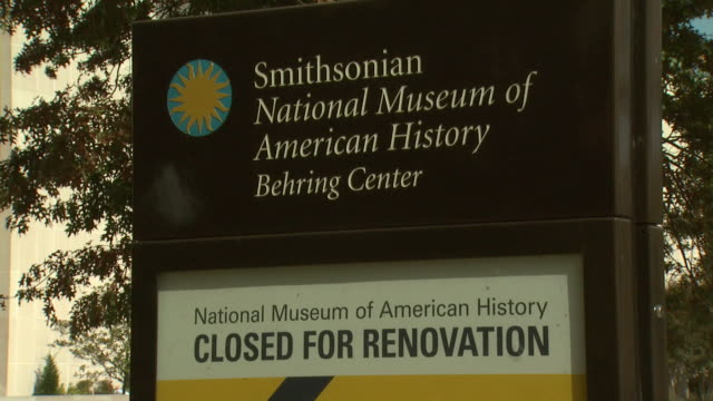 october 17 2008 zo smithsonian national museum of american history behring center with sign / washington dc united states - smithsonian institution stock videos & royalty-free footage
