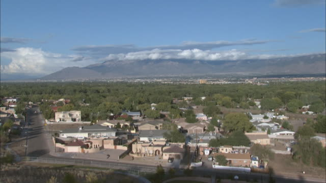october 4 2008 ws panoramic view of albuquerque / new mexico united states - albuquerque new mexico stock videos & royalty-free footage