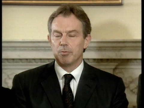 vídeos y material grabado en eventos de stock de october 7, 2001 prime minister tony blair giving speech about the engagement of british forces in afghanistan and blaming al qaeda and osama bin... - only mature men