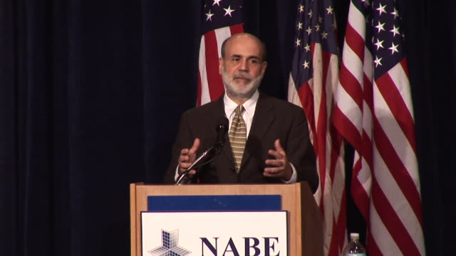 stockvideo's en b-roll-footage met october 7 2008 federal reserve's ben bernanke leaves after speech to national association of business economists/ washington dc/ audio - 2008