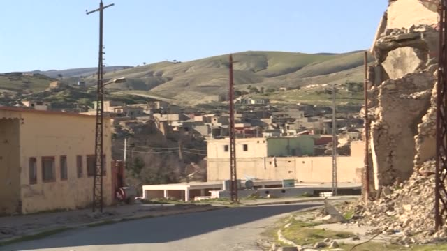 stockshots of destruction in the yazidi stronghold of sinjar in northern iraq near the border with syria - sinjar stock videos & royalty-free footage