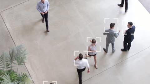 vídeos y material grabado en eventos de stock de cctv of facial recognition technology in airports to identify person - equipo de seguridad