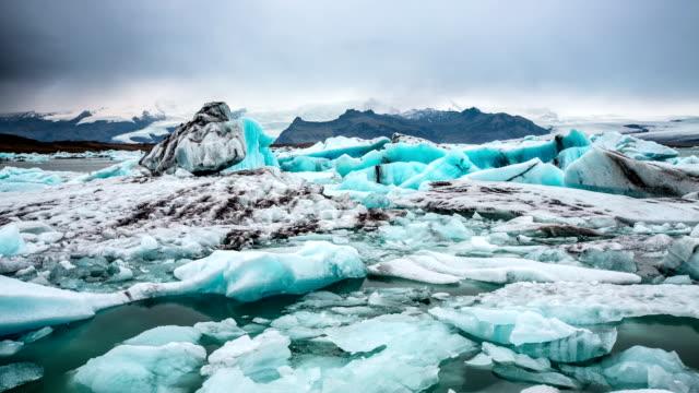 Zeitraffer von Eisberge auf Jokulsarlon Glacier Lagoon Island