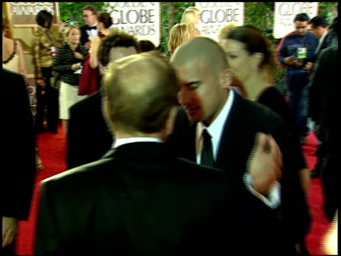 of rupert murdoch talking to dominic purcell on crowded red carpet at beverly hilton hotel. - beverly hilton hotel bildbanksvideor och videomaterial från bakom kulisserna