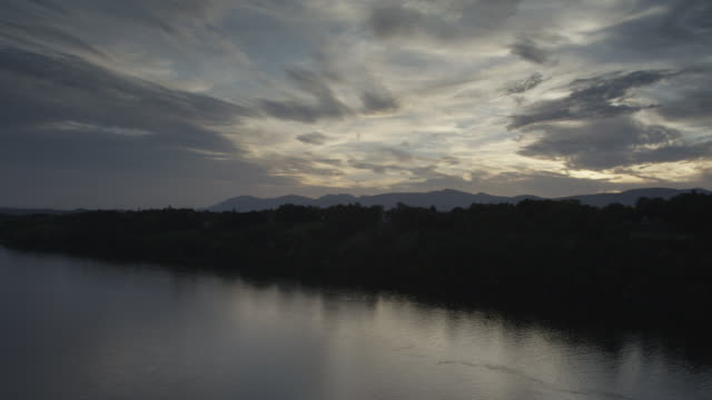 tl of scenic hudson river and surrounding landscape at sunset - hudson valley stock videos and b-roll footage