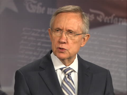 vidéos et rushes de of senate majority leader harry reid commenting on how both parties must make compromises to solve crisis as the deadline for an economic default for... - united states and (politics or government)