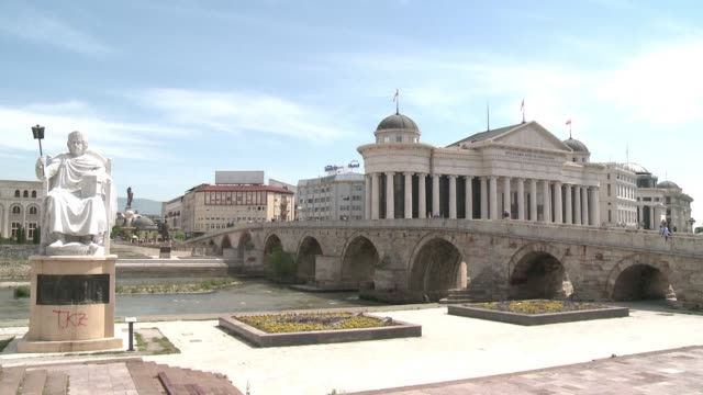 vídeos de stock, filmes e b-roll de stockshots of skopje the capital of north macedonia which is gearing up for a presidential run off on sunday between the ruling party's favoured pick... - república da macedônia