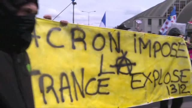 FRA: Yellow vests march for the 27th consecutive Saturday