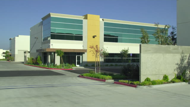 vídeos y material grabado en eventos de stock de ws office building, camarillo, california, usa - establishing shot