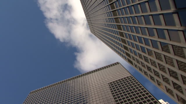 hd: office building  in toronto - hot desking stock videos & royalty-free footage