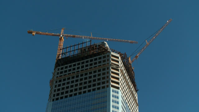 office high rise building construction cranes time lapse - charlotte north carolina stock videos & royalty-free footage