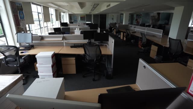office space sits empty since a nationwide lockdown in march due to the coronavirus covid-19 pandemic on august 17, 2020 in london, england - place of work stock videos & royalty-free footage
