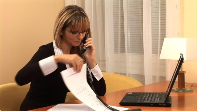 hd :office 員 - 加入電話点の映像素材/bロール