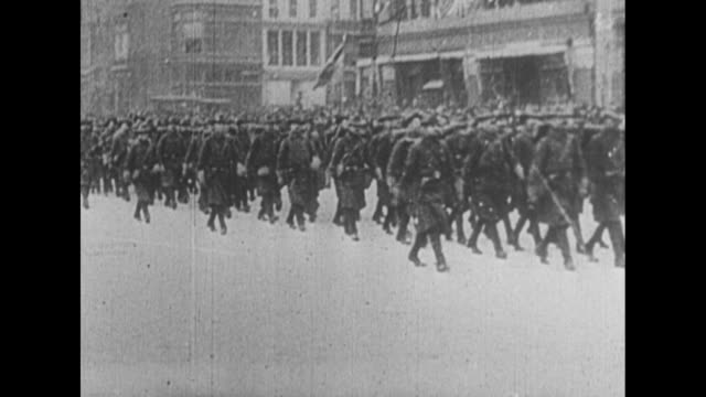 officers and officials riding on horseback past camera, military band marching past camera, soldiers marching in formation past camera / note: exact... - neunzehntes jahrhundert stock-videos und b-roll-filmmaterial