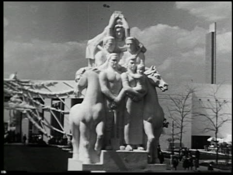 Official Motion Pictures of the New York World's Fair 1939 - 12 of 16