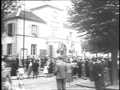 vídeos y material grabado en eventos de stock de officials looking on - 1951