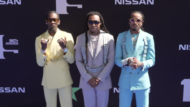 vídeos de stock, filmes e b-roll de offset quavo and takeoff at the 2019 bet awards at microsoft theater on june 23 2019 in los angeles california - bet awards