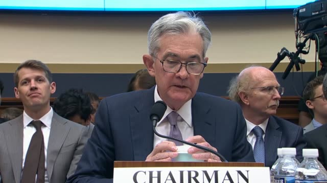ohio congressman steve stivers asks federal reserve chairman jerome powell at an oversight hearing of the house financial services committee to... - 中央銀行点の映像素材/bロール