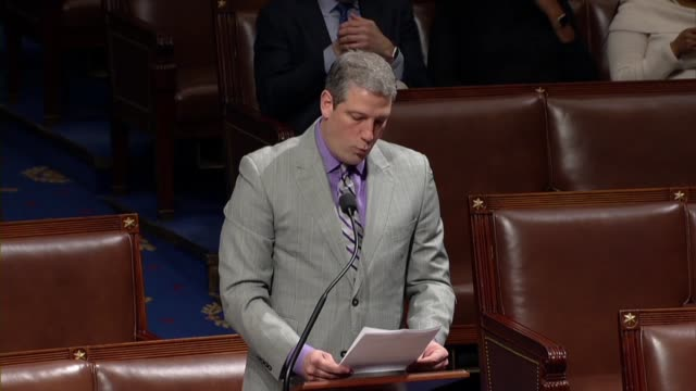 ohio congressman tim ryan notices his question of the privilege of the house with the resolution censuring iowa congressman steve king for comments... - 下院議員点の映像素材/bロール