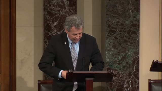 ohio senator sherrod brown says during a discussion on the american miners act that 86,000 miners were facing the looming threat of a massive kind of... - witwe stock-videos und b-roll-filmmaterial