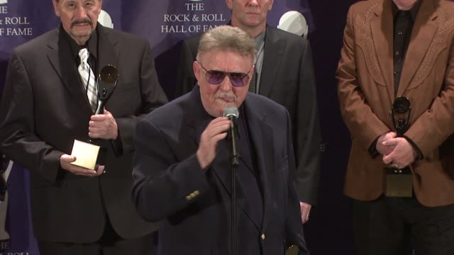 ohn durrill don wilson nokie edwards leon taylor bob spalding of the ventures give speeches at the 23rd annual rock and roll hall of fame induction... - hall of fame stock videos and b-roll footage