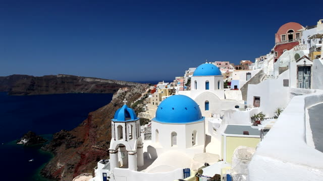 oia, santorini, greece  - oia santorini stock videos & royalty-free footage